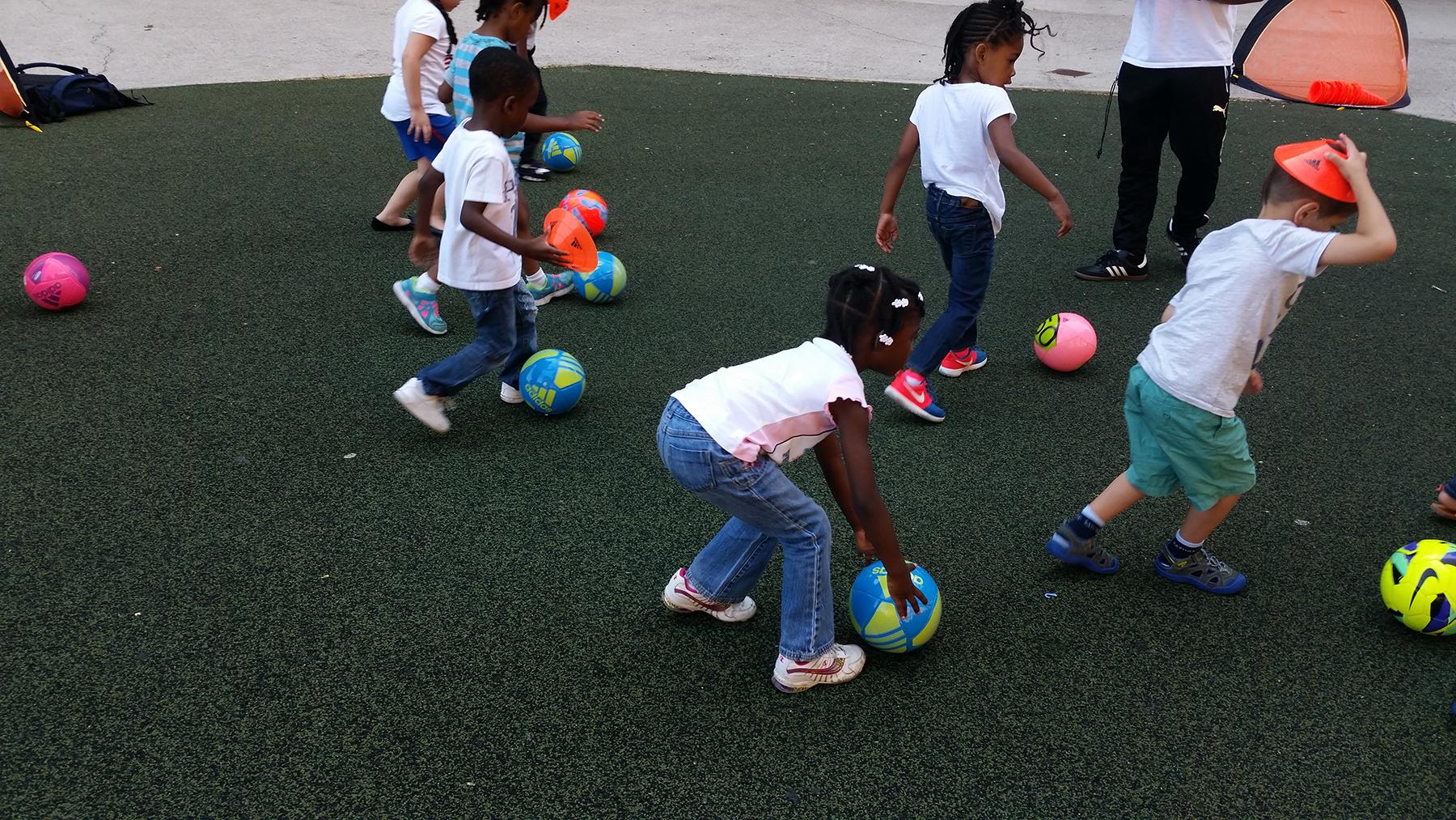 Universal Kids Soccer - Universal Kids Soccer - Soccer instructions